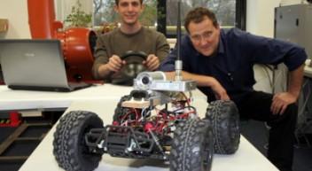Roboterexperten bauen Einwegroboter für Erkundungsfahrten in brenzligen Situationen