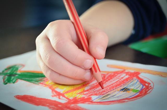 Kunsttherapeut/in Berufsbilder in der Schule Kreativ & Design sozial & gesund