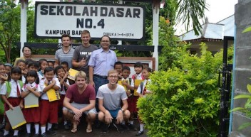 """""""Keep Bali Smiling"""" – FS-Studierende unterstützen Kinder auf Bali"""