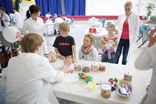 Teddyklinik Universität Witten/Herdecke