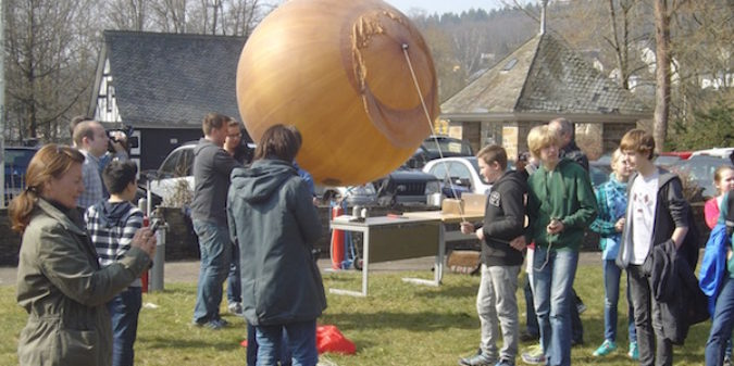 Auf in die Stratosphäre! Mit Wetterballon und Smartphones nach ganz oben