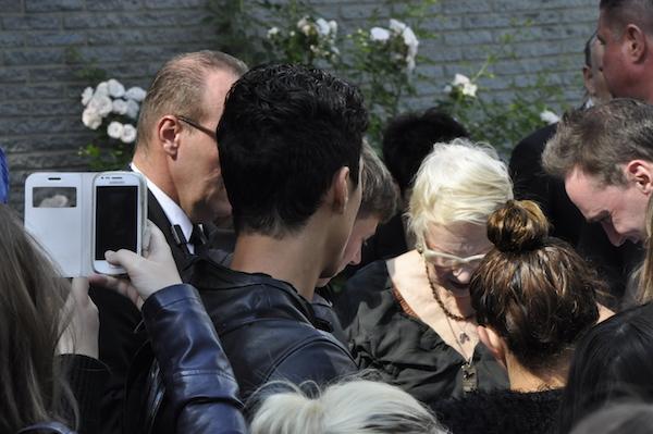 Am Ende gab's Autogramme und Selfies mit der Mode-Ikone: Vivienne Westwood an der Hochschule Niederrhein.