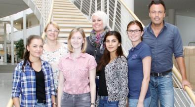 Neuen Azubis der Uni Witten/Herdecke: Zahnmedizinische Fachangestellte und Kaufleute für Büromanagement