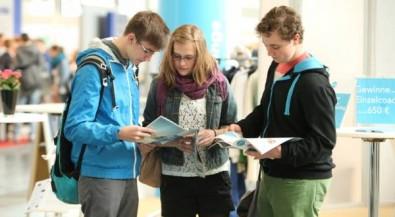 120 Hochschulen und Unternehmen suchen passende Schulabgänger – feste Gesprächstermine möglich