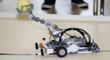 Schüler-Roboterwettbewerb Robocom 2016