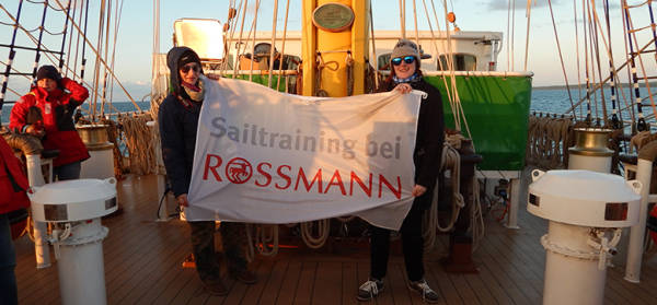 cor-karriere-sailtraining-slider-flagge