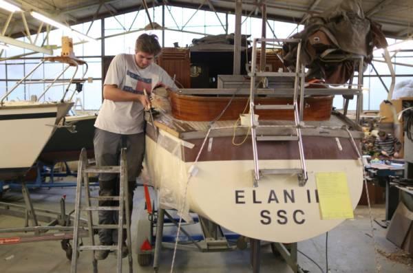 Nach knapp drei Jahren ist die Ausbildung zum Bootsbauer abgeschlossen.