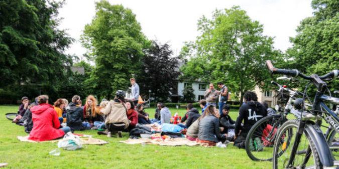 "Studenten helfen Flüchtlingen: ""Willkommen in Witten"""