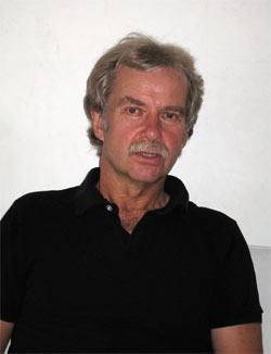 Ernst Fritz-Schubert, Oberstudiendirektor und Schulleiter an der Willy-Hellpach-Schule in Heidelberg seit 2000. Er unterrichtet neben Glück auch Ökonomie und Ethik und ist begeisterter Triathlet (Ironman Roth, Frankfurt und Zürich)