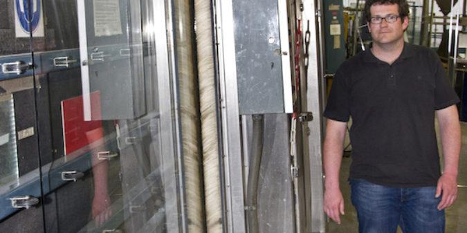Mehr Durchblick: Student optimiert Waschanlage für Glasscheiben