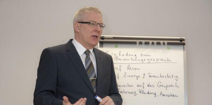 Bewerbungstraining für gehörlose Schüler