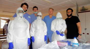 Medizinstudenten bauen Ebola-Isolationsstation in Sierra Leone