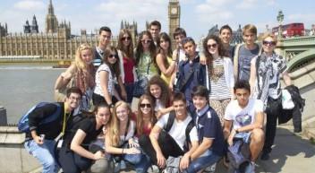 Klassenreisen an die Südküste Englands oder nach Malta mit Sprachunterricht