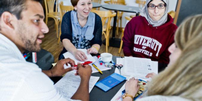Stipendien für Lehramtsstudierende: Jetzt für das Förderprogramm Studienkolleg bewerben!
