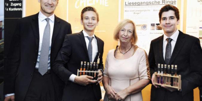 Bundesbildungsministerin Wanka kürt Jugend forscht Sieger 2017