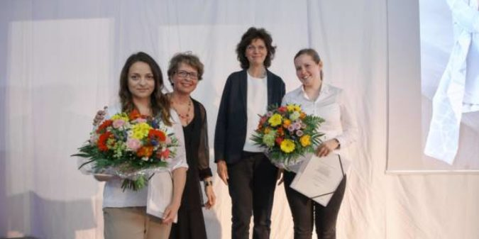 Zwei Preise für Textilstudierende der Hochschule Niederrhein