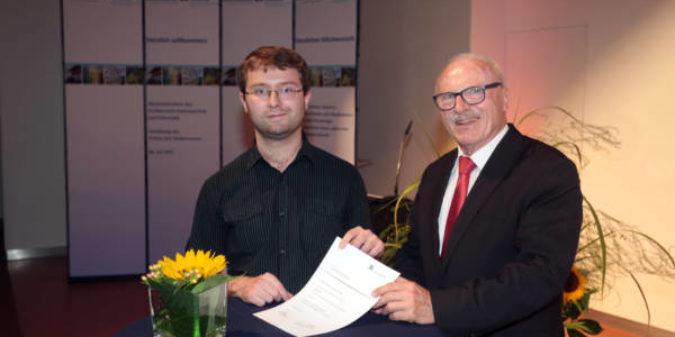 Informatikstudent bekommt 1000 Euro für ausgezeichnete Abschlussarbeit