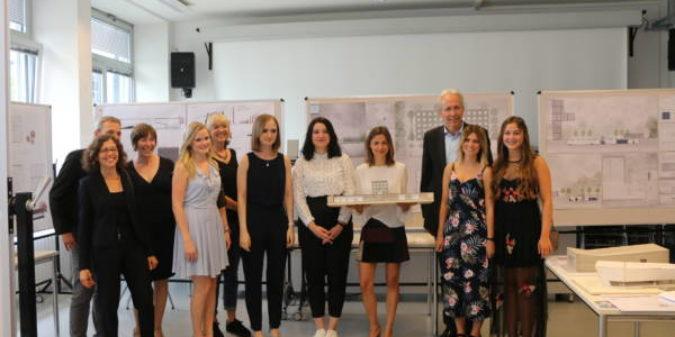 """Beste Bachelorarbeiten zum Thema """"Besucherzentrum am Indemann"""" gekürt"""