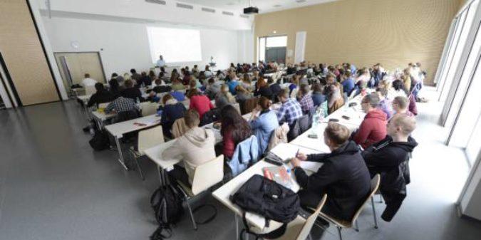 Zahl der Studierenden ohne Abitur steigt