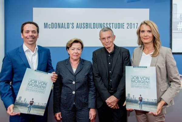 Gruppenbild Philipp Wachholz, Prof. Dr. Renate Köcher, Prof. Dr. Klaus Hurrelmann, Gabriele Fanta