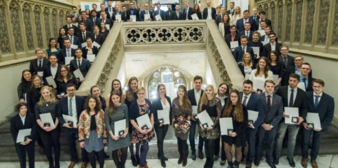 Der Einsatz trägt Früchte: FH Aachen ehrt ihre besten Studierenden