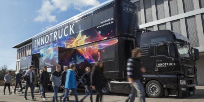Initiative InnoTruck – Mobile Erlebnisausstellung macht Lust auf Technik und Wissenschaft