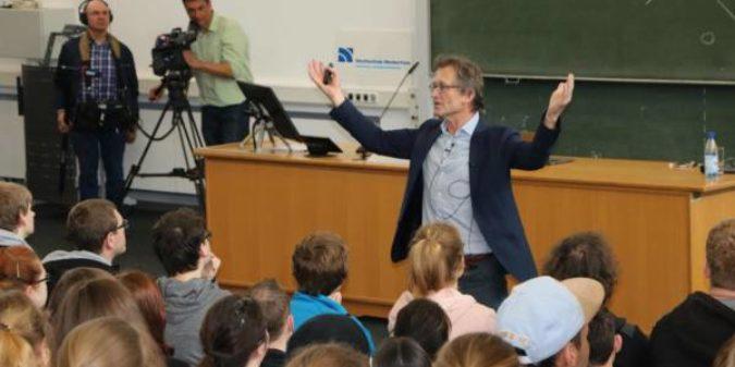 Alles Chemie: Nobelpreisträger Ben Feringa begeisterte Studierende der Hochschule Niederrhein