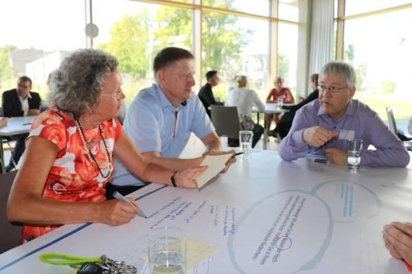 Vertreter aus Wirtschaft, Schulen und Stadt sprechen über die Marke Hochschule Niederrhein Aktuelles Pressenews