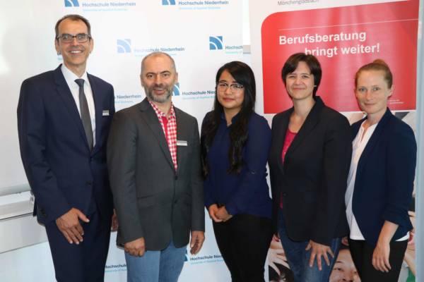Wolfgang Dräger, Rolf Dörr (beide Agentur für Arbeit), Sandra Vo, Dr. Silke Höfle und Désirée Krüger heute bei der Präsentation von NextStep.