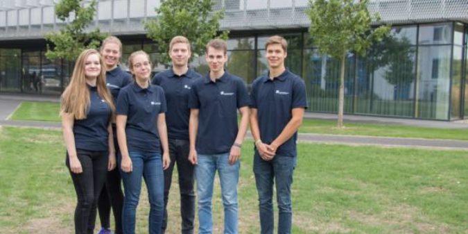 Hochschule Niederrhein begrüßt fünf neue Auszubildende und eine Mint-Praktikantin