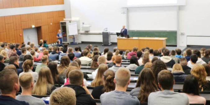 Hochschule Niederrhein startet mit 2930 Studienanfängern ins neue Semester