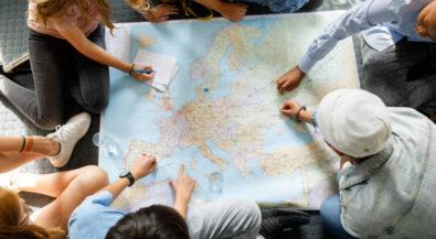 """Ausschreibung für das Förderprogramm """"Zugvogel"""": Hamburger Stadtteilschülerinnen und -schüler können sich für einen mehrwöchigen Aufenthalt in europäischen Gastfamilien bewerben"""