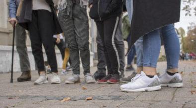 Viertelspaziergänge mit Jung und Alt: Design-Studierende gestalten Ausstellung zu Orten in Krefeld
