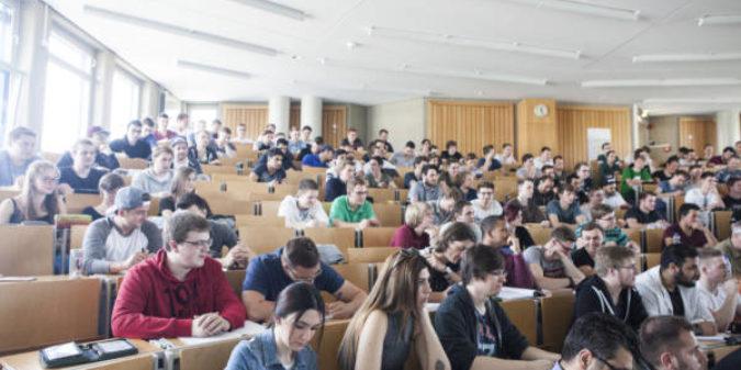 Vom Abi zum Studium: Orientierungstag für Technikinteressierte an der Hochschule Niederrhein
