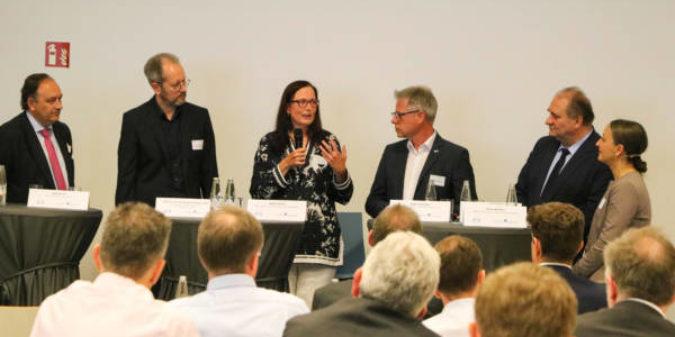 Den Bedürfnissen der Wirtschaft Rechnung tragen: Bundesdekane-Konferenz zur Entwicklung von Studiengängen