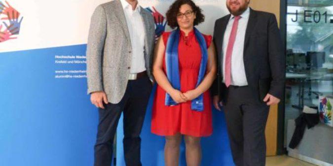 Hochschule Niederrhein: Jahrgangsbeste am Fachbereich Gesundheitswesen erhält Unternehmenspreis