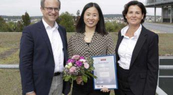 E-Business-Absolventin erhält Alfred-Gerardi-Preis