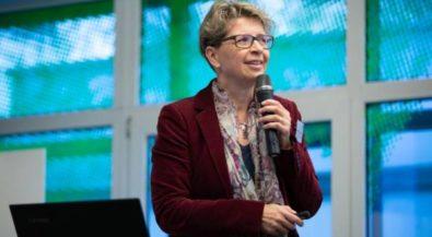 Weniger Mikroplastik-Ausstoß beim Textilwaschen: Hochschule Niederrhein stellt erste Projektergebnisse vor
